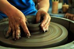 Le métier d'argile est commencent Images libres de droits