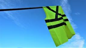 Le maglie gialle protestano contro i prezzi più elevati del combustibile immagini stock