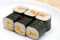 le maki délicieux a préparé des sushi image libre de droits
