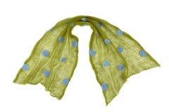 Le mande della sciarpa da verde tricottato hanno punteggiato il tessuto del mohair Immagini Stock