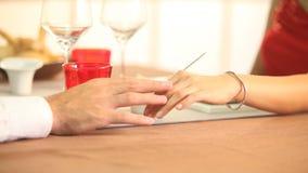 Le mani degli amanti video d archivio
