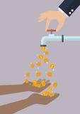 Le mani difficili stanno portando le monete che cadono dal rubinetto di acqua Immagini Stock Libere da Diritti
