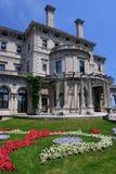 Le manoir de rupteurs sur le point ocre à Newport, Rhode Island images libres de droits