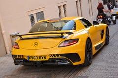LE MANS, ΓΑΛΛΙΑ - 13 ΙΟΥΝΊΟΥ 2014: Παρουσίαση της Mercedes - αγωνιστικό αυτοκίνητο Παρέλαση του αγώνα πιλότων Στοκ φωτογραφία με δικαίωμα ελεύθερης χρήσης