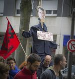 LE MANS, ΓΑΛΛΙΑ - 10 ΟΚΤΩΒΡΊΟΥ 2017: Ο αριθμός του Προέδρου της Γαλλίας Emmanuel Macron κατά τη διάρκεια μιας απεργίας Στοκ εικόνα με δικαίωμα ελεύθερης χρήσης