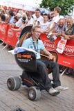 LE MANS, FRANCE - 13 JUIN 2014 : Présentation de fauteuil moderne Défilé de l'emballage de pilotes Photos stock