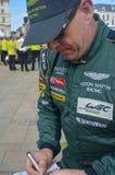 LE MANS, FRANCIA - 11 DE JUNIO DE 2017: El conductor de coche de carreras canadiense Paul Dalla Lana Aston Martin Racing en el un fotografía de archivo libre de regalías