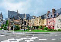 LE MANS FRANKRIKE - JUNI 12, 2016: Panoramautsikt av den medeltida staden Le Mans Royaltyfri Foto