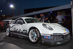 LE MANS FRANKRIKE JUNI 12, 2014: Porsche 911 kopp GT3 på presentationen för 2014 automatisk på 24 timmar i Le Mans, Frankrike str Royaltyfri Foto