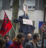 LE MANS FRANKRIKE - OKTOBER 10, 2017: Diagramet av presidenten av Frankrike Emmanuel Macron under ett slag Royaltyfri Bild