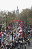 Le marathon 2010 de Londres a parrainé par Virgin Images stock