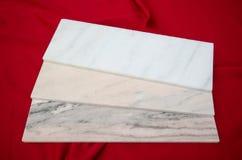 Le marbre blanc de Ruschita fait un pas des tuiles Image libre de droits