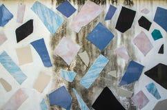 Le marbre sale couvre de tuiles le modèle de texture de fond de construction de mur Images libres de droits