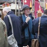 Le marché antique du marché de Spitalfields est traditionnellement tenu le jeudi Images libres de droits