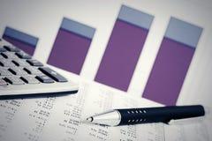Le marché boursier de comptabilité financière représente graphiquement l'analyse photos libres de droits