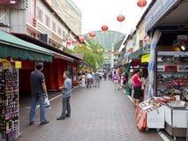 Le marché cale chez chinatown de Singapour Photographie stock libre de droits