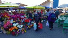 Le marché de fleur du jour ensoleillé photographie stock