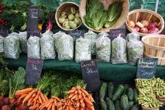 Le marché de l'agriculteur/Divers légumes Photos stock