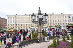 Le marché de Noël sur la place de sénat, ville de Helsinki Image libre de droits