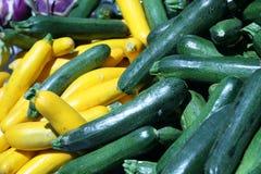 Le marché du fermier - courgette Image stock