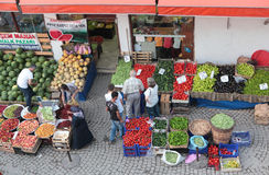 Le marché de l'agriculteur dans Safranbolu, Turquie Photographie stock libre de droits