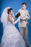 Le marié et la jeune mariée Photos libres de droits