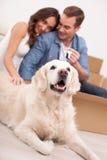 Le mari et l'épouse attirants sont prêts pour Photo stock