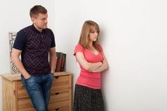 Le mari et l'épouse découvrent les relations Photos stock