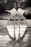 Le mariage chausse des talons hauts photographie stock libre de droits