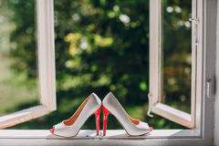 Le mariage chausse HD Images libres de droits