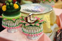 Le mariage de dot dans la culture thaïlandaise Objet pour l'engagement thaïlandais Images stock