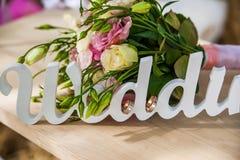 Le mariage de mot et le bouquet nuptiale Photo libre de droits