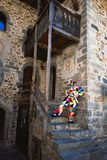 Le masque d'Arlecchino Sa maison d'Oneta Valle Brembana Bergame l'Italie image stock
