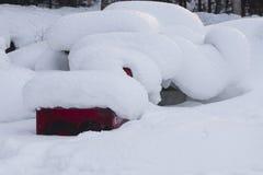 Le matériau de construction sous la neige Images stock
