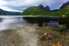 Le matin nuageux dans Geirangerfjord Norvège a énuméré comme patrimoine mondial de l'UNESCO Image libre de droits