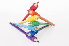 Le matite hanno organizzato per di colore il Rainbow fotografie stock libere da diritti