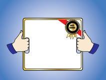 Le meilleur insigne bien choisi sur un panneau blanc retenu dans des 2 pouces lèvent des mains Photographie stock libre de droits