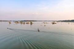 Le Mekong au coucher du soleil en Don Kone, 4000 îles, Laos Image libre de droits