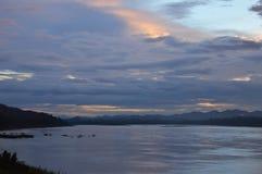 Le Mekong sur le coucher du soleil en Thaïlande photographie stock