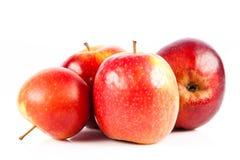 Le mele rosse isolate su fondo bianco fruttifica alimento sano Fotografie Stock