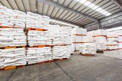 Le merci del nord del magazzino del trasporto della stazione ferroviaria di Hangzhou hanno accatastato su molti prodotti di Polyv Immagini Stock