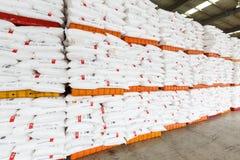 Le merci del nord del magazzino del trasporto della stazione ferroviaria di Hangzhou hanno accatastato su molti prodotti di Polyv Fotografia Stock Libera da Diritti
