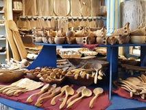 Le merci tradizionali della falegnameria memorizzano la falegnameria nazionale dell'artigianato fotografia stock libera da diritti