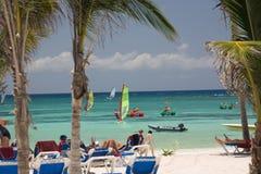 Le Mexique sur des gens d'active de plage Image libre de droits