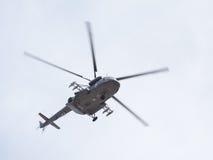 Le Mi-8 chez Victory Parade Photographie stock libre de droits