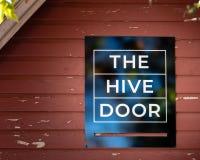 Le miel à vendre dans un petit magasin de boutique a appelé la porte de ruche à Bath de Medlow, montagnes bleues, Australie photographie stock libre de droits