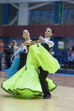 Le Minsk-Belarus, février, 23 : Le couple non identifié de danse exécute Photos stock