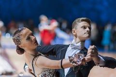 Le Minsk-Belarus, le 19 octobre 2014 : Couples non identifiés Perfo de danse Photo stock