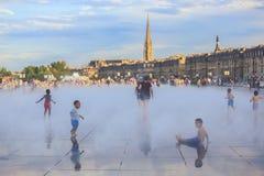 Le miroir de l'eau de Bordeaux, la piscine est le plus grand miroir de l'eau dans le monde avec 3450 carrés M Photo libre de droits