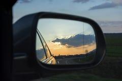 Le miroir de vue arrière Images stock